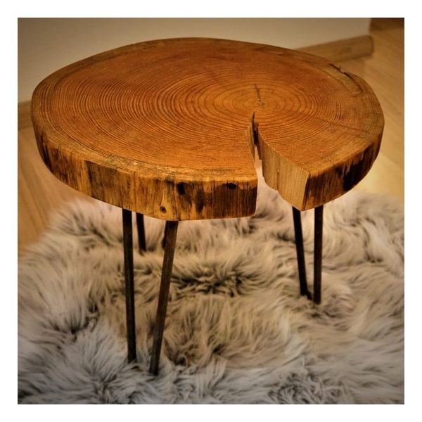 Lärchenholz Tisch in Deutschland produziert - Unikat