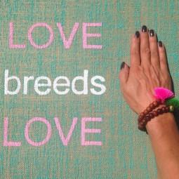 Herzteil Jute Yogamatte LOVE breeds LOVE