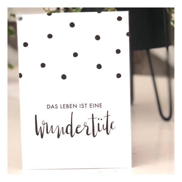Immer wieder spannend - Das Leben ist eine Wundertüte Postkarte