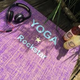 Herzteil Jute Yogamatte Be A Yoga Rockstar mit personalisiertem Monogramm