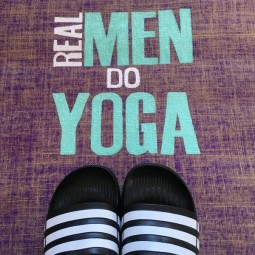 Herzteil Jute Yogamatte REAL MEN DO YOGA mit Monogramm
