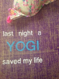 Herzteil Jute Yogamatte last night