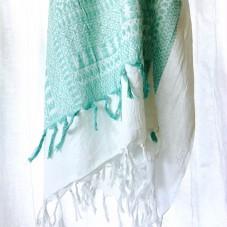 Riesiger, bestickter Bohemian Schal