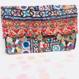 Herzteil Banjara Clutch - jede Tasche ein Unikat