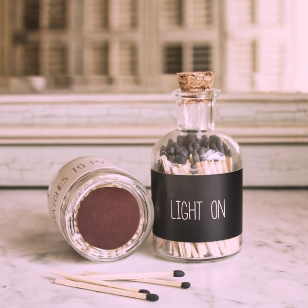 Light On Design Streichhölzer